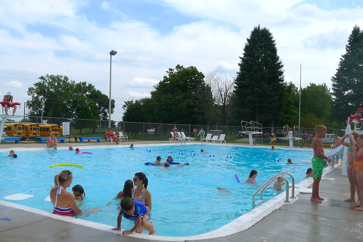 Swimming pool lessons open swim fennimore wi - Pools on the park swimming lessons ...