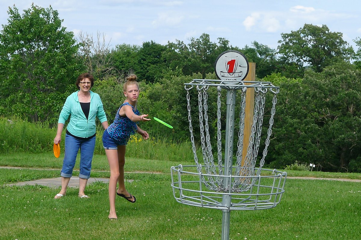 18 Hole Disc Golf Course At Oakwood Nature Park Fennimore Wi